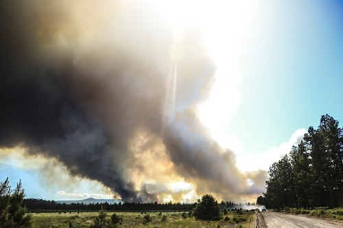 The Two Bulls Fire west of Bend as viewed near Johnson Rd.