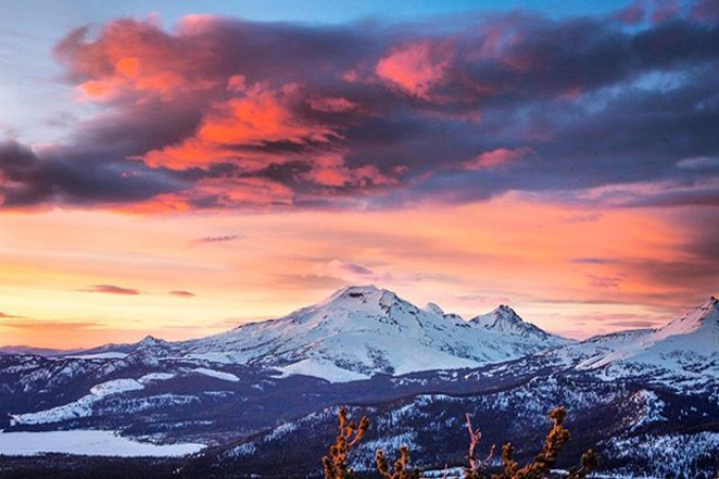 Is there anything better than a sunset in Central Oregon? Beautiful shot by @tonitstop.Tag @sourceweekly on Instagram to get featured in Lightmeter. - @TONITSTOP