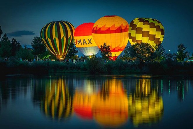 Great shot of the Night Glow at Balloons Over Bend from @ryanhansenphoto. Tag @sourceweekly on Instagram to get featured in Lightmeter. - @RYANHANSENPHOTO
