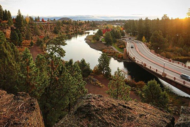 Bend sure is beautiful this time of year! Nice shot from @zavib. Tag @sourceweekly on Instagram to be featured in Lightmeter. - @ZAVIB