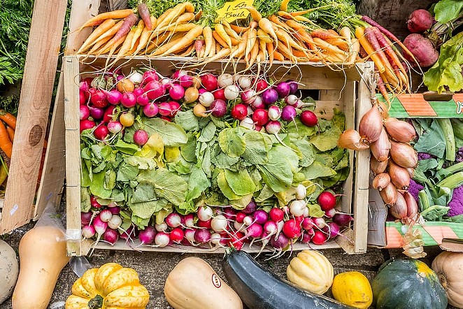 Most Central Oregon farmers markets will get going a bit late the first week of June, but Central Oregon Locavore is an indoor farmers market open seven days a week. - PXFUEL