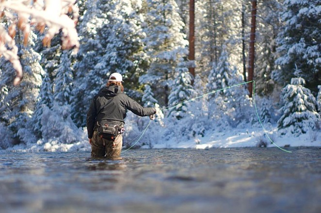 @oregononthefly and @the_nomadic_fly Winter trout fishing at its best: sun on the water and snow on the banks. Tag @sourceweekly and show up in Lightmeter! - @OREGONONTHEFLY
