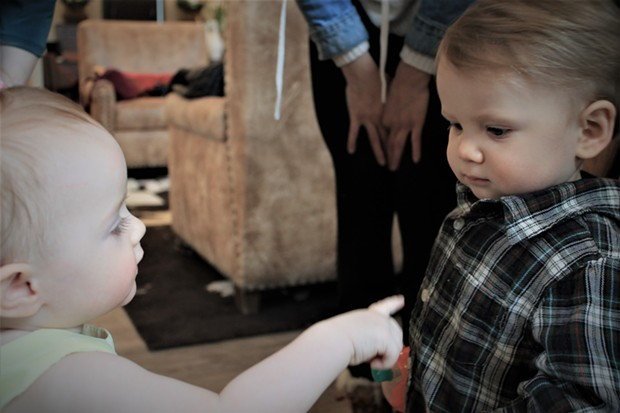 """""""I know your name!"""" says local little one Novalie Anderson to Kai Sabadin. - DANIELLE MEYERS"""