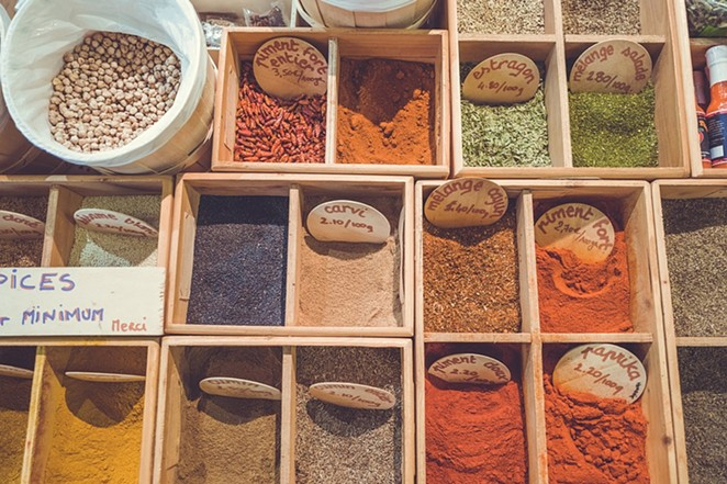 Spices on display. - PIXABAY