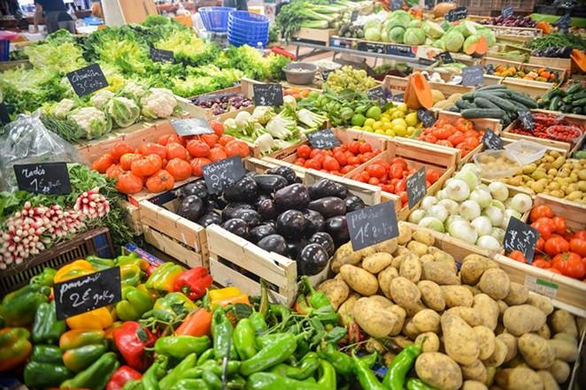 A farmers market. - PIXABAY