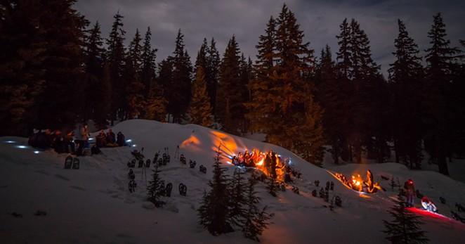 bonfire-snowshoe-nye-bend-oregon-wanderlust.jpg