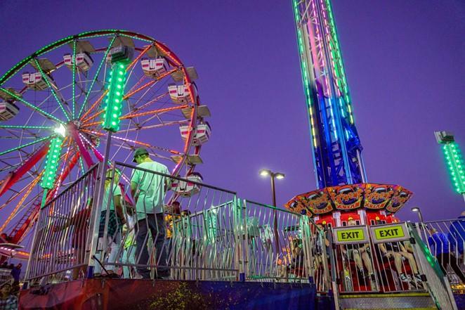 carnival_ride_at_2019_dcfair_rodeo_.jpg