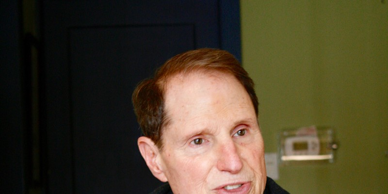 Senator Ron Wyden speaking to members of the Source.