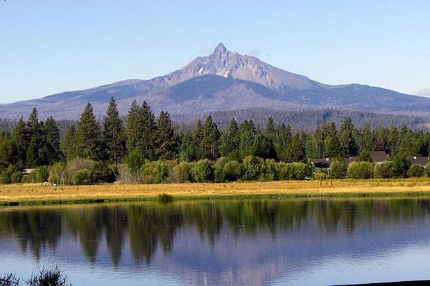 Mount Washington from Blak Butte Ranch - WIKIMEDIA COMMONS