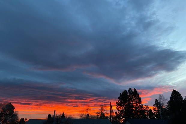 Good morning Central Oregon! A lovely sunrise caught in northeast Bend Nov. 17. - BY NICOLE VULCAN
