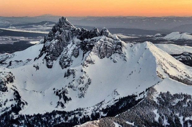 When the mountains are calling, you go. @wasimofnazareth heard their call and captured the majesty of the Cascades from a plane last week during sunset. Thanks for tagging us! Share your best shots with us by tagging @sourceweekly for your chance to be featured here and in print! - @WASIMOFNAZARETH / INSTAGRAM
