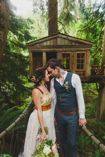 Katie Daisy and Elijah Goodall's treehouse wedding.