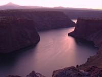 Oregon Lakes Carry Water Warnings