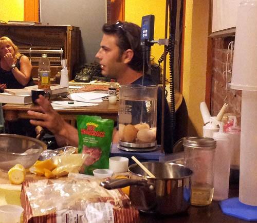 Chris Hanson explains science in the kitchen