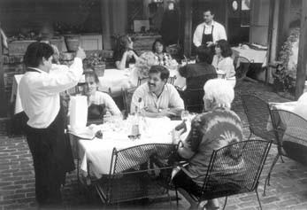 dining-9827.jpg