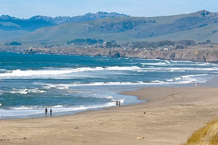 FOR A FEW DOLLARS MORE It's class warfare on the beaches of Sonoma County.