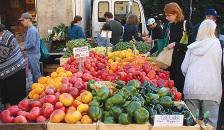 PRODUCE HUSTLE Vicki Robin started frequenting the farmers market, putting her anti-consumerist ethics into practice.