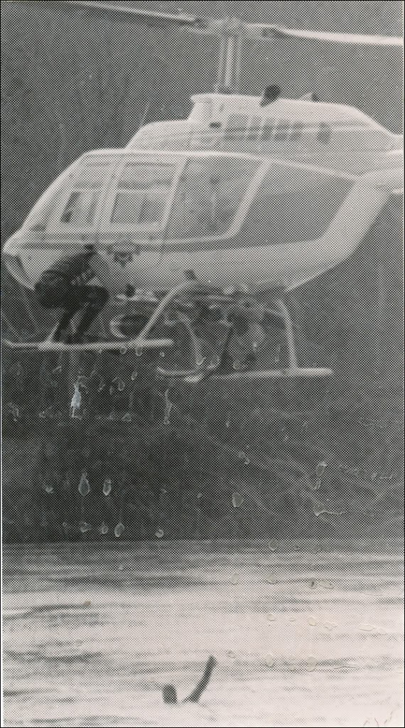 floodhelicopterrescue.jpg