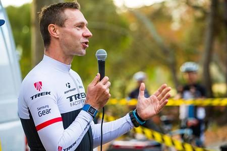 Jens Voigt kicks off the race. - ALEX CHIU