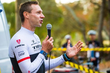 Jens Voigt kicks off the race. - ALEX CHIU