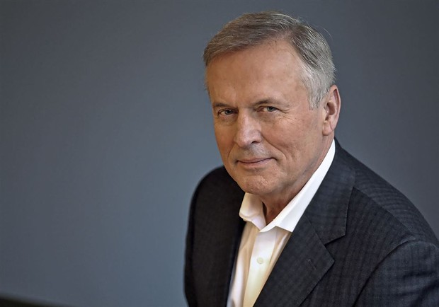 On Wednesday, May 27, bestselling author John Grisham talks with Book Passage founder Elaine Petrocelli in a special online event.