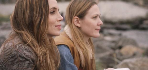 Eliza Dushku (left) in 'Jane Wants a Boyfriend'
