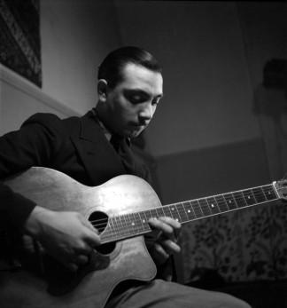 guitare-manouche-django-reinhardt.jpg