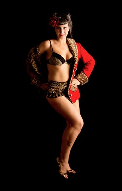 YOU NEED COOLIN' Burlesque performer Eva D'Luscious moves to 