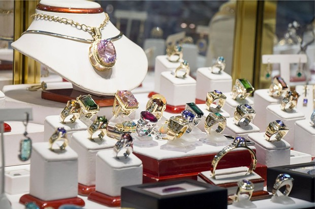 Fine jewelry at Gem Faire