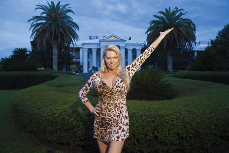 WOE IS HER Timeshare wife Jackie Siegel steals this incisive film.