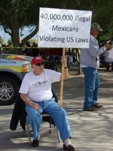 10-guy-with-anti-illegal-immigration-sign