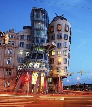 dancinghouse.jpg