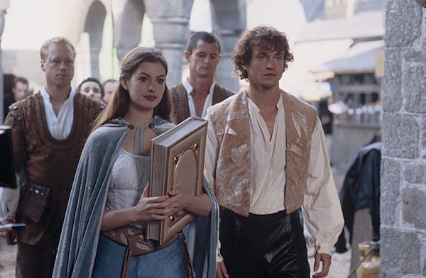 Anne Hathaway and Hugh Dancy in Ella Enchanted (Photo: Lionsgate)