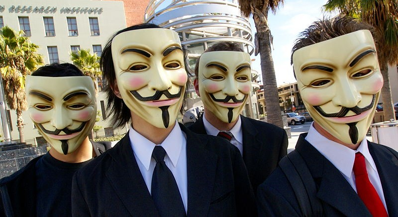 800px-Anonymous_at_Scientology_in_Los_Angeles.jpg