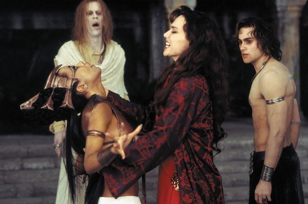 Bruce Spence (background), Aaliyah, Lena Olin and Stuart Townsend in Queen of the Damned (Photo: Warner Bros.)