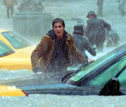 TAKASHI SEIDA / FOX - CAR WASH Jake Gyllenhaal and a freshly scrubbed - Manhattan in The Day After Tomorrow
