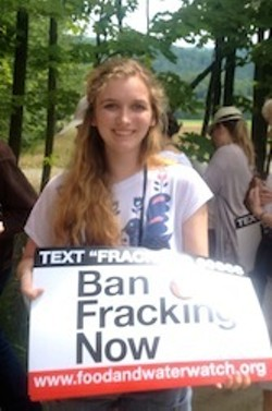 171a566e_girl_with_ban_fracking_sign.jpg