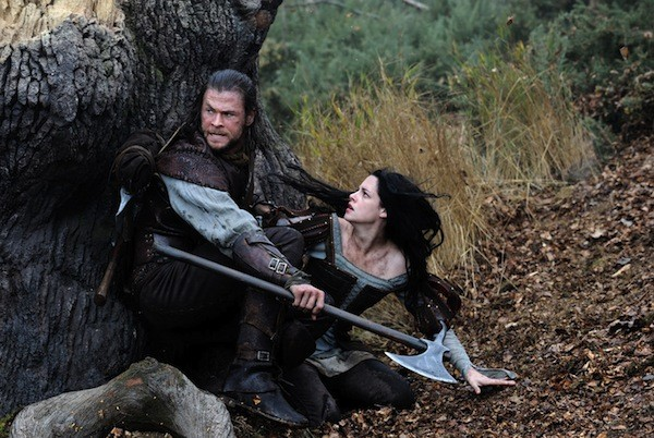 Chris Hemsworth and Kristen Stewart in Snow White and the Huntsman (Photo: Universal)