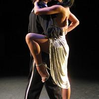 Dance: Follow the lead