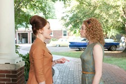 DALE ROBINETTE / DREAMWORKS - DIFFERENCE OF OPINION: Bryce Dallas Howard and Emma Stone in The Help
