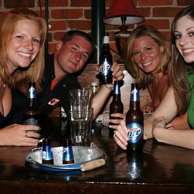 Dixies Tavern, 6/16/08