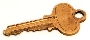 300px-Standard-lock-key.jpg
