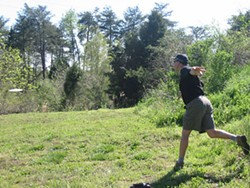WWW.CHARLOTTEDGC.COM - DON'T CALL IT FROLF: A Charlotte disc golfer in action.