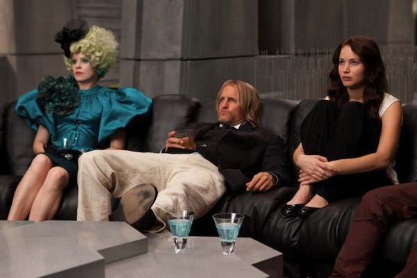 Elizabeth Banks, Woody Harrelson and Jennifer Lawrence in The Hunger Games (Photo: Murray Close / Lionsgate)