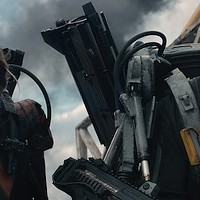 Emily Blunt and Tom Cruise in Edge of Tomorrow. (Photo: Warner Bros.)