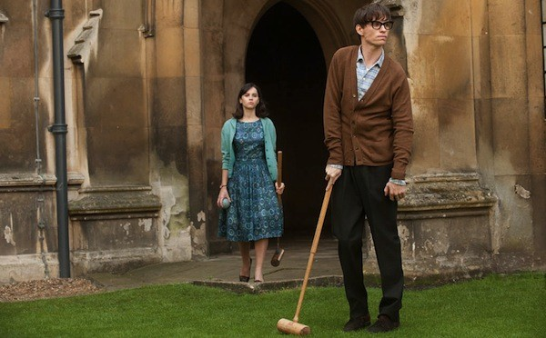 Felicity Jones and Eddie Redmayne in The Theory of Everything (Photo: Universal)