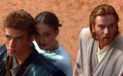 20TH CENTURY FOX - FORCE FIELD Hayden Christensen, Natalie Portman - and Ewan McGregor prepare to defend themselves in - Attack of the Clones
