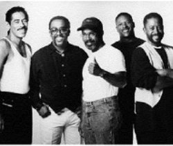 FRANKIE BEVERLY and MAZE  play Verizon - Wireless Amphitheatre on Friday