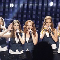 Hailee Steinfeld, Anna Kendrick, Brittany Snow, Alexis Knapp and Rebel Wilson in Pitch Perfect 2 (Photo: Universal)