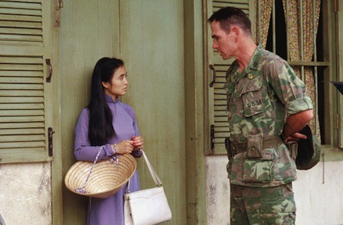 Hiep Thi Le and Tommy Lee Jones in Heaven & Earth (Photo: Twilight Time)